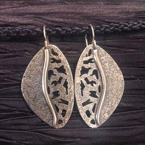 🌟RARE🌟SILPADA W1979 .925 Sterling Leaf Earrings